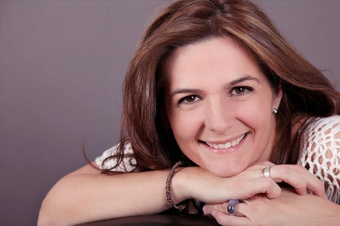 Entrevista a Alexandra Tapia en ES RADIO.